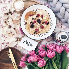 4,549 отметок «Нравится», 211 комментариев — Birgitte (@birgittetheresa) в Instagram: «Hello Wednesday ☕️ . . . . . . . . #foreverfaffing #ccseasonal #inspiredbypetals #petalsandprops…»