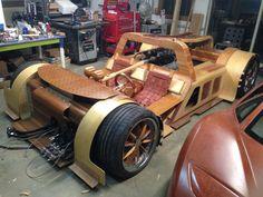 Splinter - The Wooden Supercar with a 7.0 L LS7 V8