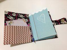 Porta caderneta e documentos em cartonagem