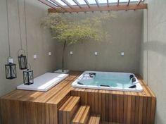 Mais barato, levando em conta a manutenção, a arquitetura tem investido no spa.