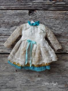 Blythe doll outfit *Lilies in the rain* OOAK vintage embroidered dress long sleeves