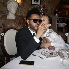 The Weeknd & Bella Hadid Grunge Style, Soft Grunge, Bella Hadid Birthday, Abel And Bella, Happy Birthday Angel, Abel The Weeknd, The Love Club, Famous Couples, How To Pose