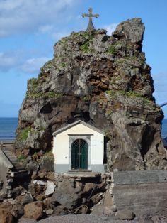 little chapel in Calhau, São Vicente island Portuguese Language, Verde Island, Cape Verde, Atlantic Ocean, Archipelago, Amazing Architecture, Palaces, Cabo, Temples