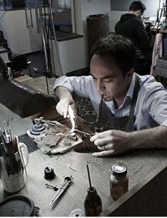 Lode Martens - Gepassioneerd juwelenontwerper. Hij maakt alleen unieke stukken!