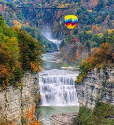 http://BlueChipMoney.com - Hot air #balloon over #TheMiddleFalls at #LetchworthStatePark, #NewYork Letchworth State Park, Hot Air Balloon, Balloons, Niagara Falls, Amazing Nature, Nature Photography, The Incredibles, Adventure, Instagram
