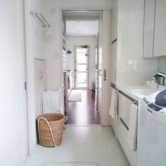 住みやすい家はここが違う!ユーザーのこだわり12選 | RoomClip mag | 暮らしとインテリアのwebマガジン Natural Interior, Laundry In Bathroom, Life Organization, Storage Solutions, Room Inspiration, Ideal Home, My House, Sweet Home, Home Appliances