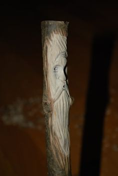 tutorial about carving wood spirit : http://www.bushcraftuk.com/forum/showthread.php?t=66323