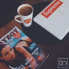 @hubii ☕️ #appleandcoffee #coffee #vscocoffee #coffeetime #coffeehouse #vscocoffee #apple #macbook #supreme #supny #supremenyc #boxlogo #playboy #Padgram