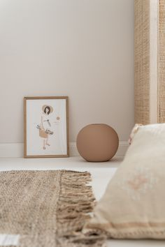 Colour Trend for Beige Walls Bedroom, Beige Living Rooms, Bedroom Wall Colors, Home Decor Bedroom, Home Living Room, Room Decor, Murs Beiges, Hippie Stil, Pastel Interior