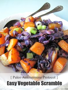 This paleo vegetable scramble is the perfect recipe for those days when you don't have much time to cook, or if you don't have the energy!