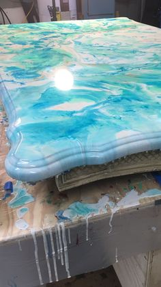 Resin painted dining room table work in progress – resin crafts Resin Table Top, Wood Resin Table, Diy Table Top, Furniture Makeover, Cool Furniture, Painted Furniture, Diy Resin Furniture, Dresser Makeovers, Painted Dining Room Table