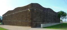 Liège spécial façade : Le liège expansé pur spécial façade est un produit de finition extérieur ne nécessitant ni enduit, ni bardage.