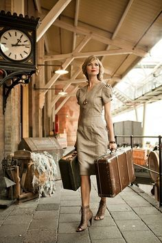 This is what to wear if ever you're lucky enough to travel on The Orient Express. - This is what to wear if ever you're lucky enough to travel on The Orient Express. Travel Chic, Travel Style, Shabby Apple, Look Fashion, Womens Fashion, Ladies Fashion, Elegantes Outfit, Orient Express, Mode Vintage