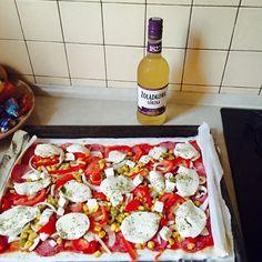 A dzis z przyjaciółmi zoladkowagorzka towarzyszy nam przy pizzy  #zoladkowazfiga #nowazoladkowazfiga #zoladkowagorzka https://www.facebook.com/photo.php?fbid=810747749012167&set=o.145945315936&type=1