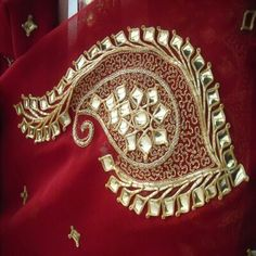 Danke-ka-kaam or Danka embroidery. Zardozi Embroidery, Hand Work Embroidery, Embroidery Motifs, Indian Embroidery, Gold Embroidery, Embroidery Fashion, Hand Embroidery Designs, Embroidery Dress, Embroidered Blouse