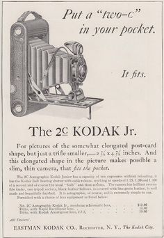 Kodak Jr technology is awesome. a camera that fits in your pocket!technology is awesome. a camera that fits in your pocket! Old Cameras, Vintage Cameras, Vintage Advertising Posters, Vintage Advertisements, Modern Photography, Film Photography, Vintage Photographs, Vintage Images, Instax Wide Film