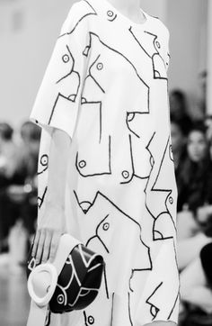 Abstract print dress; monochrome fashion details // Calvin Klein Resort 2016 @castaner