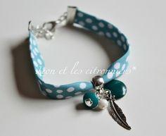 Bracelet  montevideo   biais bleu menthe à pois blancs  avec breloques Léon et les citronniers*