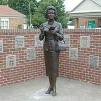 Metropolis, Illinois: Lois Lane in Bronze