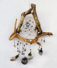 http://static.diary.ru/userdir/5/6/2/1/5621/80491516.jpg Mojo Bags, Dream Catcher Mobile, Wiccan Crafts, Crafts To Sell, Fun Crafts, Medicine Wheel, Nativity Crafts, Weaving Art, Dreamcatchers