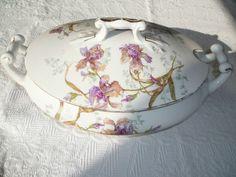 soupière - iris - porcelaine de Limoges - 19ème