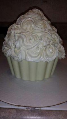 Jumbo cupcake with candy base