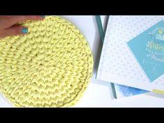 SECRETOS 😲 Cómo tejer el PUNTO BAJO CENTRADO en REDONDO - YouTube Crochet Birds, Crochet Food, Crochet Bear, Crochet Animals, Free Crochet, Crochet Stitches, Crochet Patterns, Crochet Granny Square Afghan, Granny Squares