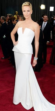 The Academy Awards 2013: Charlize Theron in Dior Haute Couture