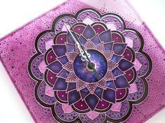 Purple Mandala Wall Clock Glass Clock Wall Clock by heraglass  #mandala #lakasdekoracio #ajandekotlet #egyedi uvegora