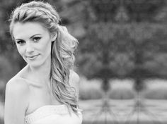 Easy Side Twisted Pony Tail Hairstyle for Your Reception