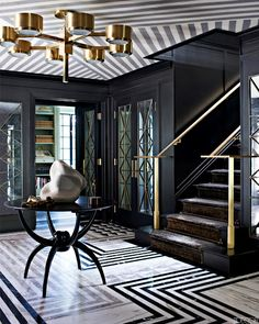 Love the drama of this entryway // Striped Ceiling Wallcovering Black Entry Hall - Kelly Wearstler Design - ELLE DECOR Interiores Art Deco, Interiores Design, Decoration Inspiration, Interior Inspiration, Design Inspiration, Decor Ideas, Foyer Ideas, Furniture Inspiration, Life Inspiration