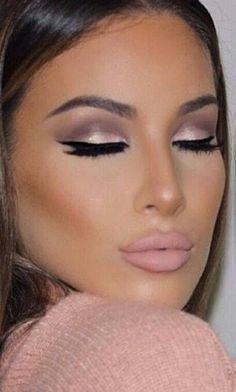 Beautiful eye make up Flawless Makeup, Gorgeous Makeup, Pretty Makeup, Love Makeup, Skin Makeup, Makeup Brushes, Makeup Goals, Makeup Tips, Beauty Makeup