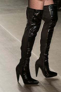 Custo Barcelona at New York Fashion Week Fall 2017 - Details Runway Photos