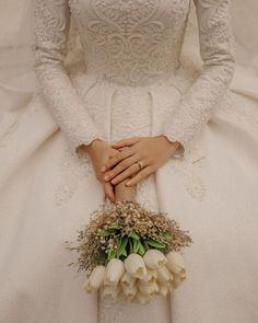 Image may contain: one or more people - Hochzeitskleid Hijabi Wedding, Muslimah Wedding Dress, Muslim Wedding Dresses, Wedding Poses, Wedding Bride, Bridal Dresses, Dream Wedding, Wedding Photoshoot, Diy Wedding