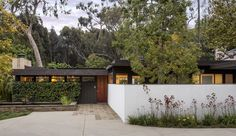 Richard Neutra's Midcentury-Modern Bailey House is for sale Photos   Architectural Digest