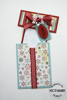 Christmas card with tag...this is cute but I'm not so sure as a general Christmas car...would be an excellent gift card holder though!