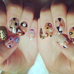 Nails like Klimt paintings! (1)