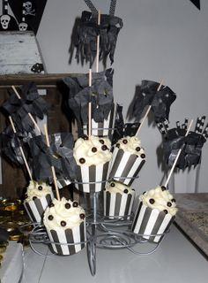black Pearl Cupcakes