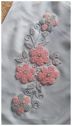 Embroidery On Kurtis, Hand Embroidery Videos, Embroidery Stitches Tutorial, Hand Work Embroidery, Embroidery Flowers Pattern, Embroidery Patterns Free, Learn Embroidery, Beaded Embroidery, Zardozi Embroidery