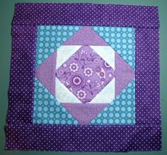 Exploding Pineapple Quilt Block - additional info on cutting MSQS tutorial on the Exploding Block Missouri Star Quilt Tutorials, Quilting Tutorials, Quilting Projects, Quilting Designs, Quilting Blogs, Craft Tutorials, Craft Ideas, Quilt Blocks Easy, Quilt Block Patterns
