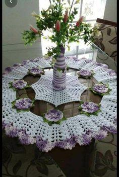 Crochet Table Runner Pattern, Crochet Bedspread Pattern, Free Crochet Doily Patterns, Crochet Tablecloth, Crochet Squares, Crochet Doilies, Crochet Flowers, Filet Crochet, Knit Crochet