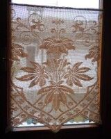 It is a website for handmade creations,with free patterns for croshet and knitting , in many techniques & designs. Thread Crochet, Lace Knitting, Crochet Stitches, Crochet Curtains, Crochet Doilies, Doily Patterns, Crochet Patterns, Cross Stitch Cushion, Filet Crochet Charts