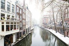 Nieuw in mijn Werk aan de Muur shop: Winter in Utrecht. De Oudegracht met zicht op de Maartensbrug.