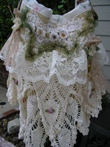 Scalloped Doily Bag - frilly ruffled lace