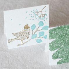 点と線模様制作所 レタープレスの二つ折りカード 小 2種セット(メッセージバード+モミノキ) - 鳥モチーフ雑貨・鳥グッズのセレクトショップ:鳥水木 #bird #message #card #stationery #torimizuki Playing Cards, Card Making, How To Make, Playing Card Games, Handmade Cards, Game Cards, Cards To Make, Letter Crafts, Playing Card