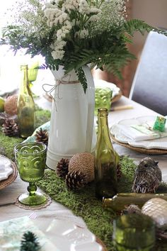 Love this moss table runner.. Found on my full house. #tablescape #moss