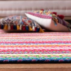 Area Rug Sizes, Area Rugs, Rag Rug Diy, Country Rugs, Braided Wool Rug, 21st Century Homes, Colorful Rugs, Rug Runner, Hand Weaving