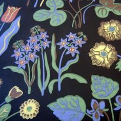 We had black wallpaper with lily pads in our bathroom when I was a child, and mirrors on both walls so it stretched into infinity. Scandinavian Wallpaper, Swedish Wallpaper, Textile Design, Design Art, Joseph Frank, Flora Flowers, Black Wallpaper, Wallpaper Ideas, Happy Design