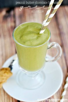 Peanut Butter Chocolate Banana Green Smoothie | www.somethingswanky.com