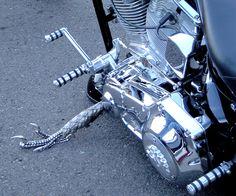Bike claw stand